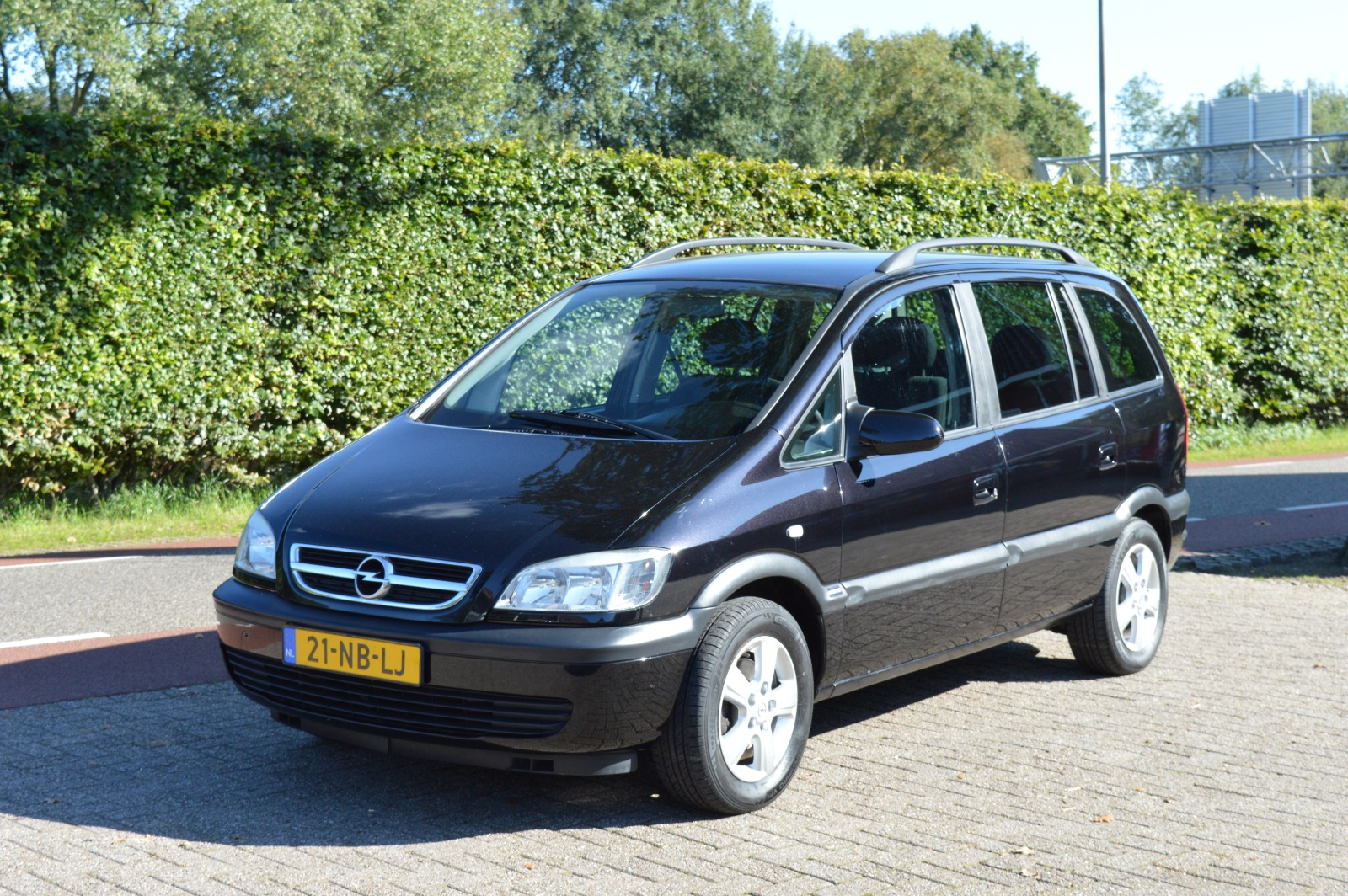 opel zafira 1 8 16v comfort autobedrijf slager. Black Bedroom Furniture Sets. Home Design Ideas